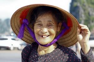 Kvinna med tandlossning